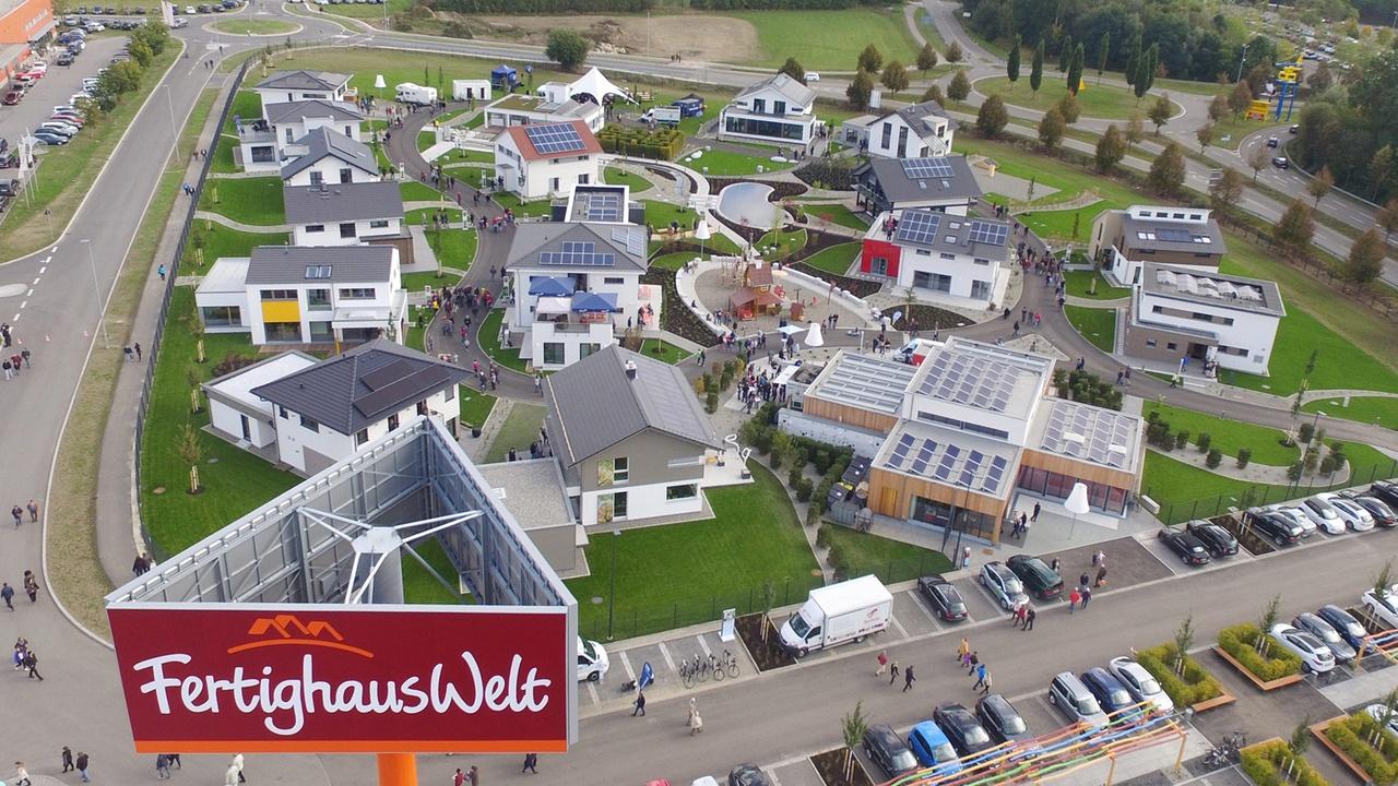 FertighausWelt Günzburg in Bayern aus der Luft